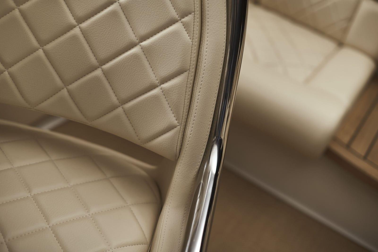Chris Craft Capri 27 Seat Detail