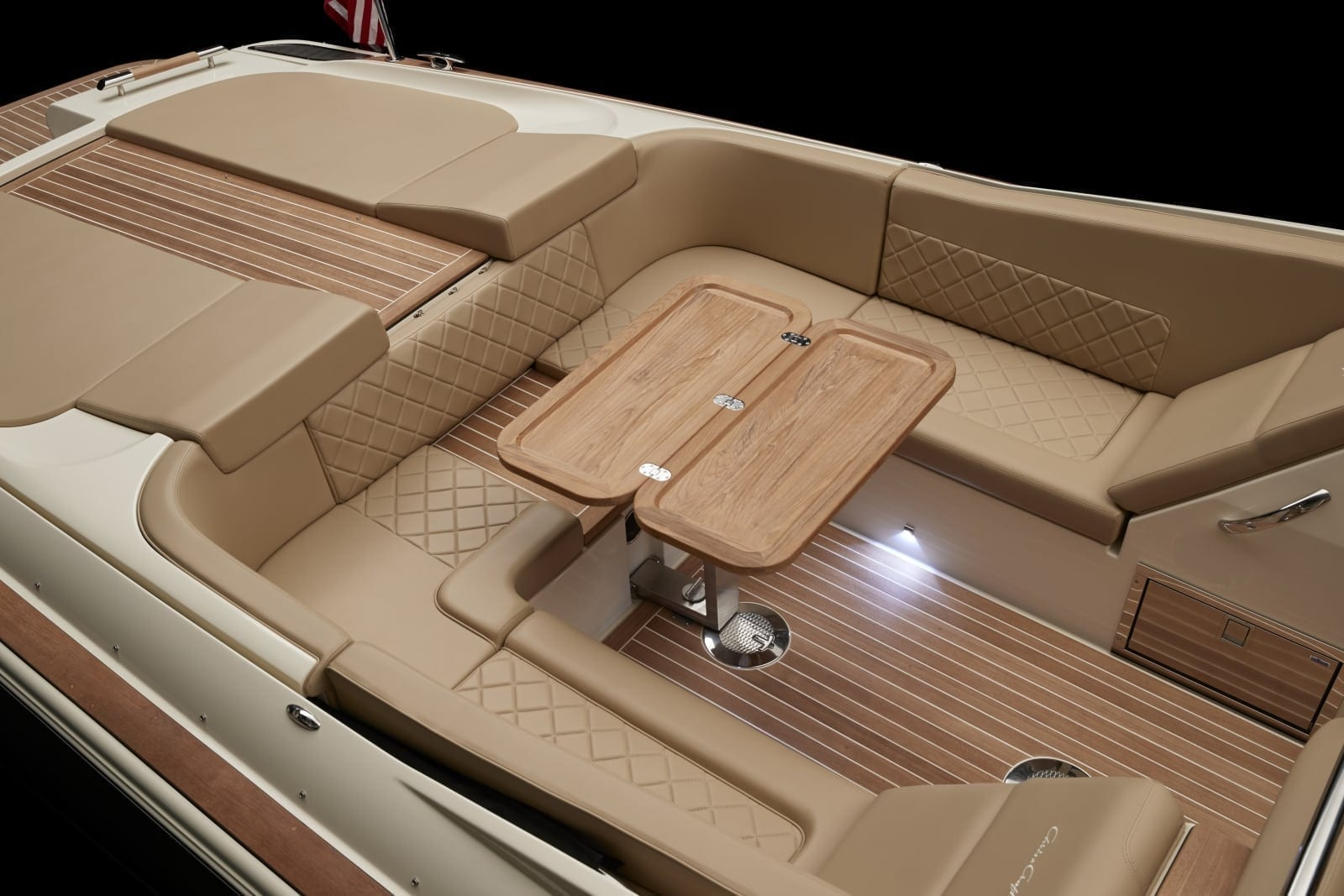 Chris Craft Launch 34 Aft Table
