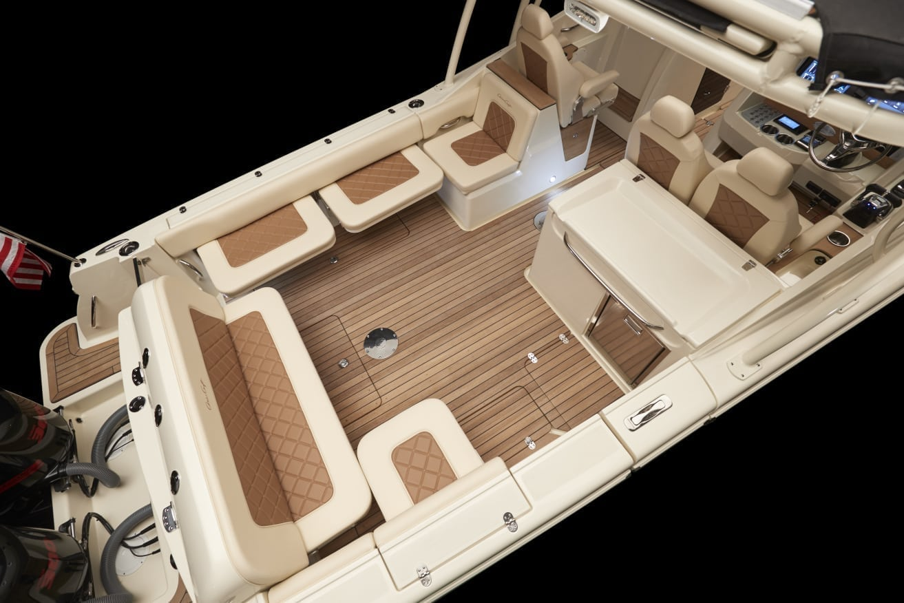 Chris Craft Calypso 30 Aft Seating
